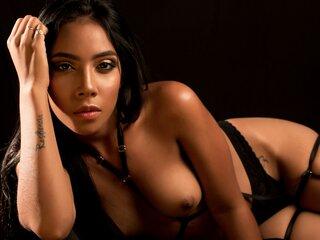 MariaPazmora shows naked